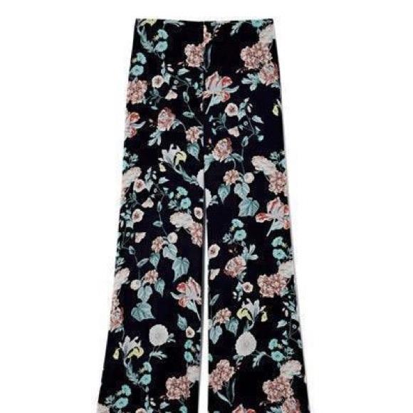 e27a76734c7 Vince Camuto floral print wide leg pants